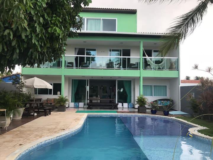 Linda Casa em Serrambi com 5 quartos.
