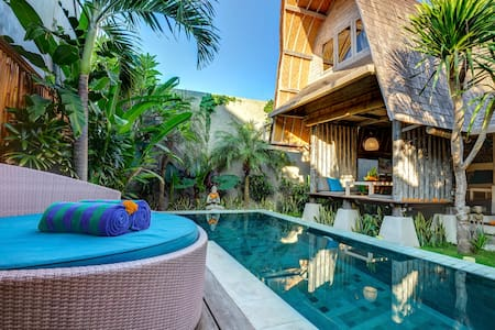 Romantic Luxury Escape Seminyak - Kuta