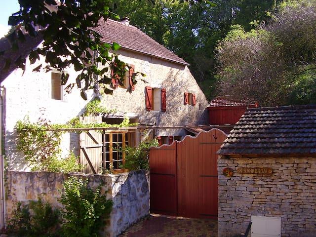 Grange Le fil Rouge - Chamoux - House