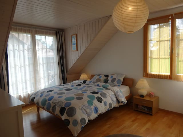 Nice bedroom in a villa/Lausanne ; EHL-Nestlé-WAEC