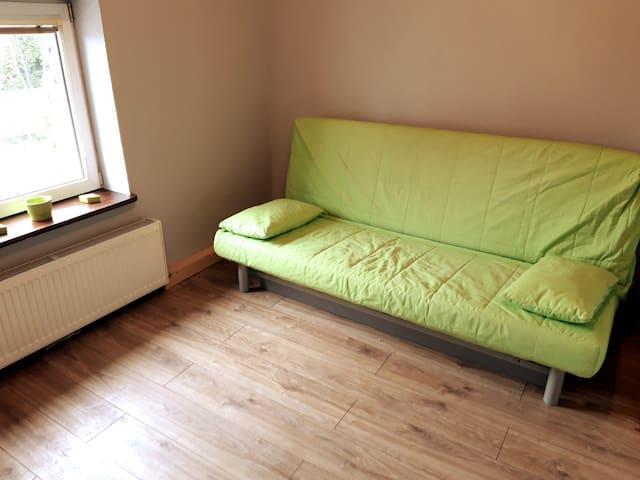 sypialnia nr 3 z rozkładaną sofą