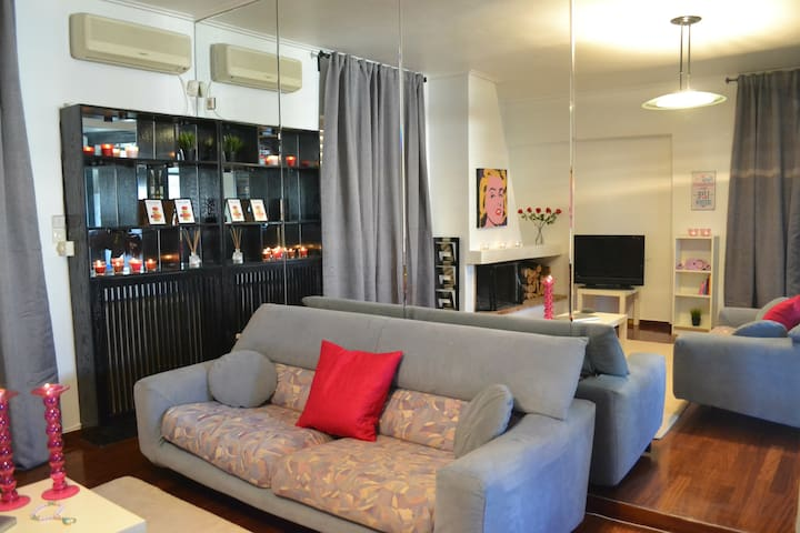 Modern sunny penthouse next to everything you need - Chalandri - Appartement