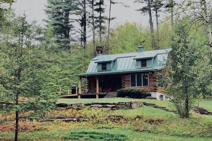 Vermont Log Cabin near Stratton / Mount Snow