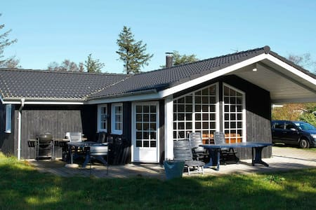 Plush Holiday Home in Sæby near Sea
