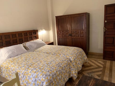 PRIVATE ROOM B-2 EN SEVILLANA MANOR HOUSE