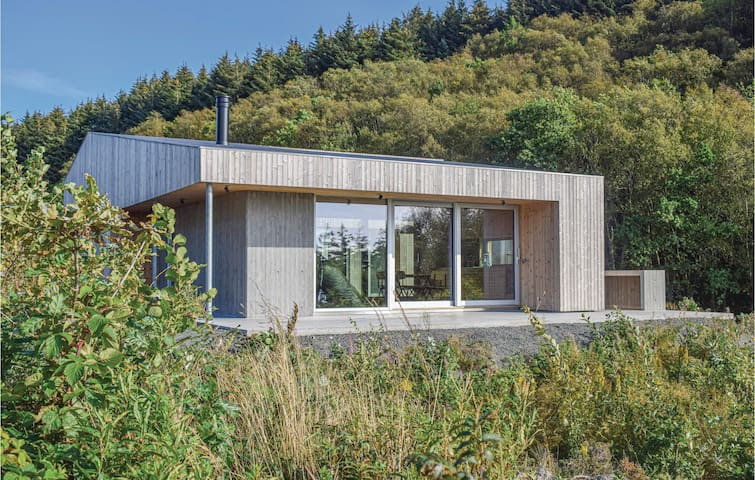 Holiday cottage with 3 bedrooms on 80m² in Lyngdal