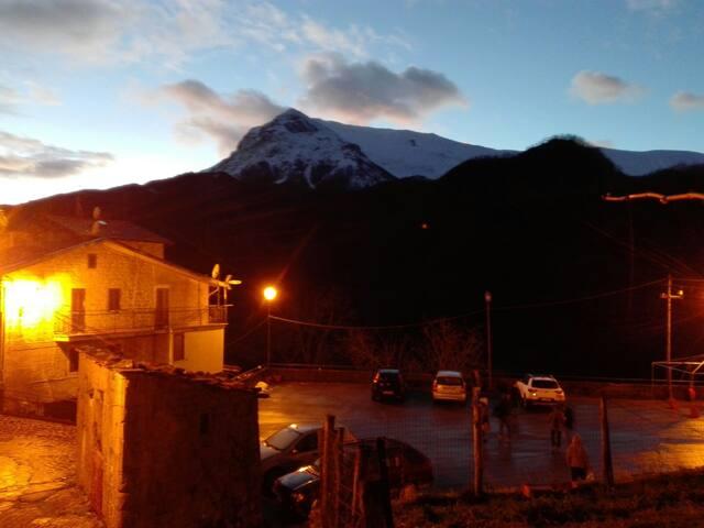 Casa sui Monti Sibillini con vista sul Vettore