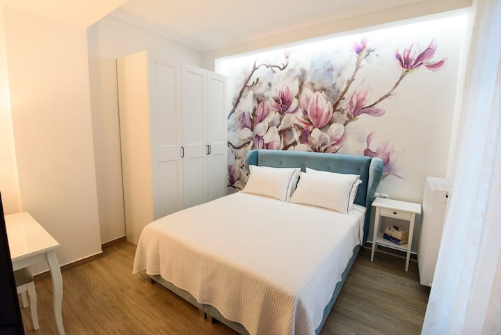 UTOPIA FLAT can be booked with UTOPIA STUDIO/8pp