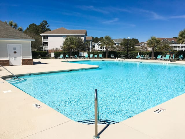 Your updated Barefoot Resort & Golf condo offers access to 2 sparkling pools.