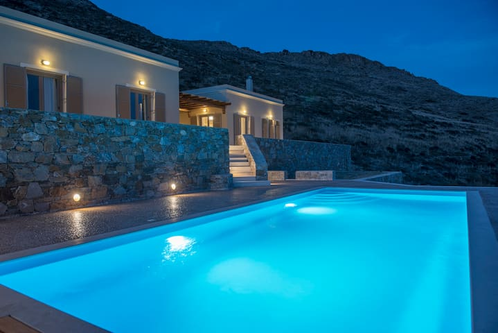 Syros beautiful sea view villa Blue Line - Finikas - Hus