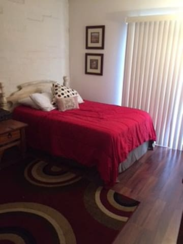 Lovely Private Bedroom inCondo with Full Amenities - Tucson - Apartemen