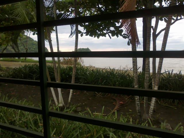 Casa , frente al mar - Coco - House