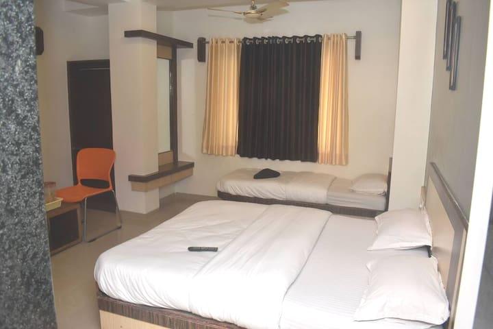 3 bed room
