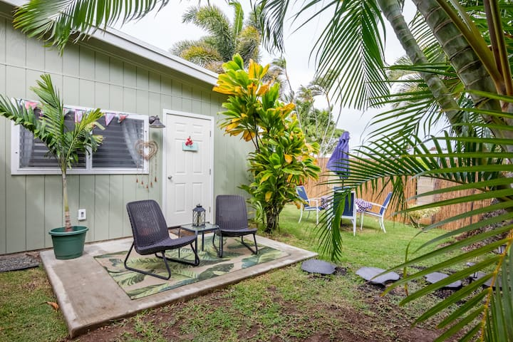 Breezy Palms: A Private, Relaxing Windward Retreat