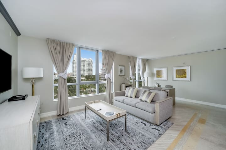 Suite Apartment in Ocean Drive w/ Free Parking