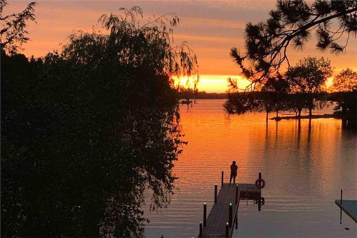 Private Beach Lake Home, Fox Tail Bay, Silver Lake