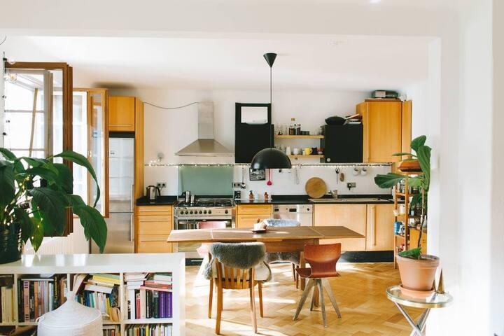 Room in beautiful flat in Munich