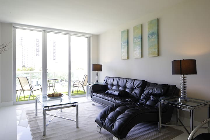 Awesome and Luxury Apartment by the Beach - Sunny Isles Beach - Apartment
