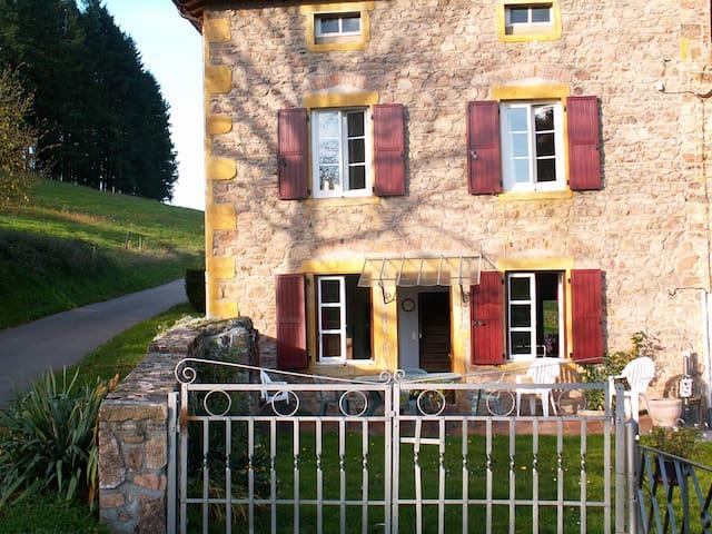 Farm's Micheline - Écoche - House