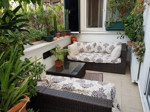 Private flat with your own garden in a great loc.