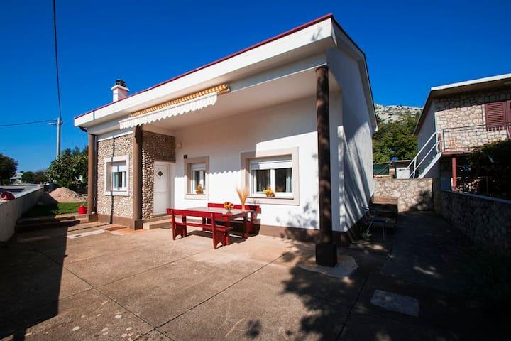 SD-04/FH-01  HOLIDAY HOME - Starigrad - Casa