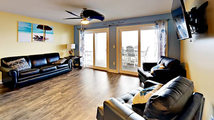 Private 1 Bedroom 1 Bath Condo on the Water - Sleeps up to 6 max C103 - Put-in-Bay Waterfront Condo #103