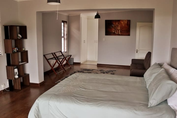 Peaceful Unit with scenic views in Melkbos estate