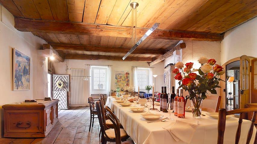 Historisches Engadinerhaus mit Ambiente