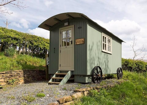 Shepherds Hut - Highland Hideaway