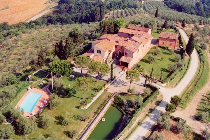 Beautiful Farmhouse in Castelfiorentino with Garden