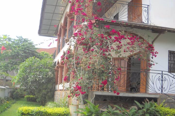 La maison au coeur d'Afrique.