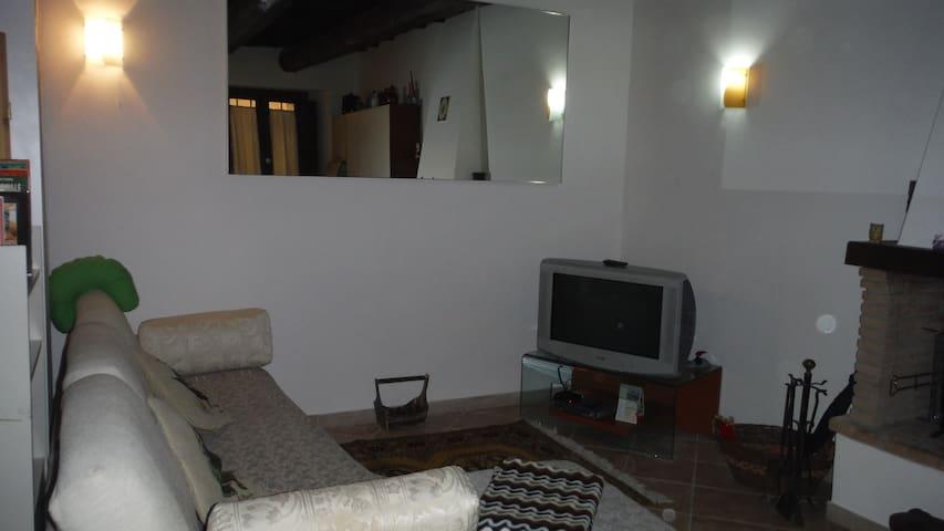 Via Francigena Tappa 41 del Lazio - Sutri - Casa