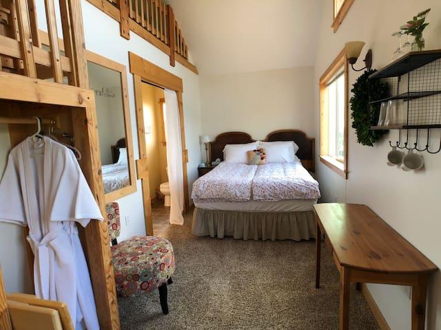 The Bella Vista Farm Room-Mountain View