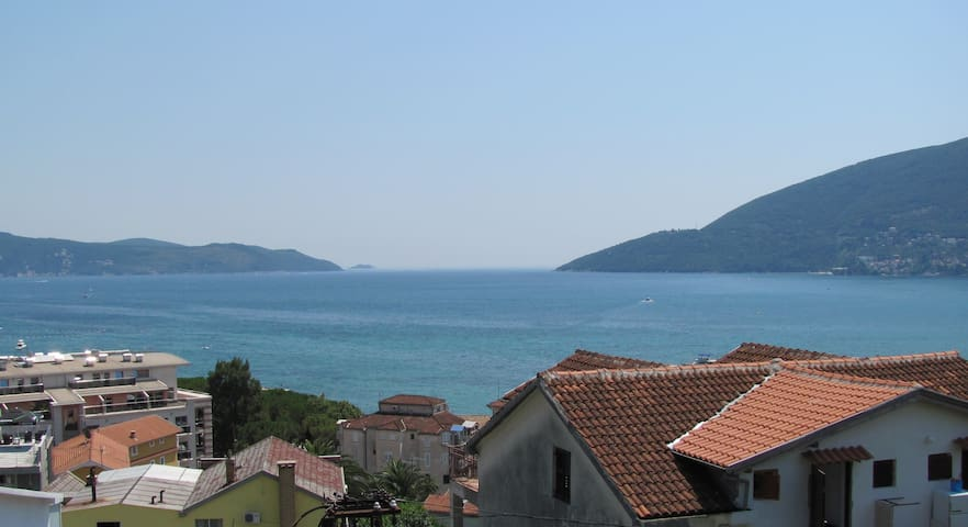 Spacious room for 2 world class travelers - Igalo, Herceg Novi - Ev
