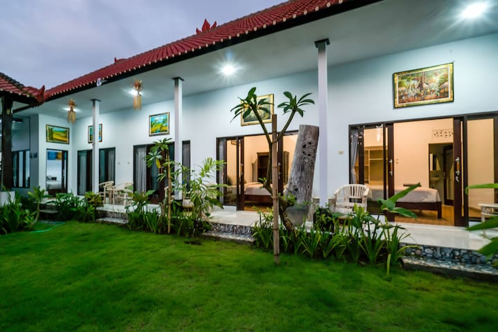 Canggu Tranquil Room Walking Distance to Beach #D5