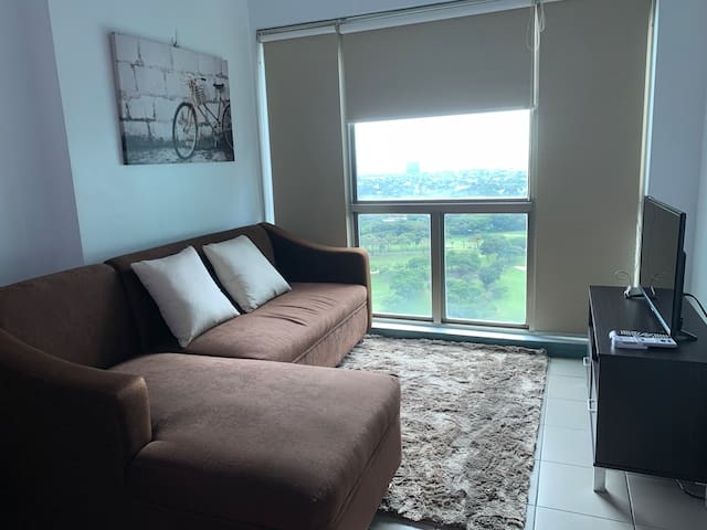 Perfect view BGC Apt in Burgos Circle, the Fort