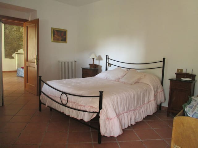 House with private garden near Rome,welcome family