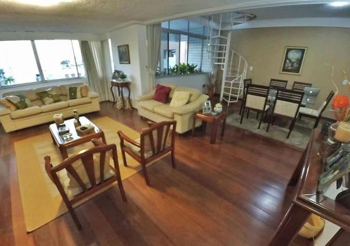 Amplo apartamento no Aldeota
