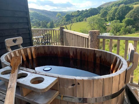 Seren Fach Cottage at Welsh Glamping