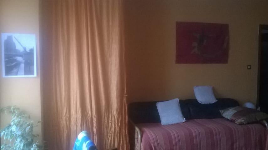 casa con vista e balcone a Pinerolo