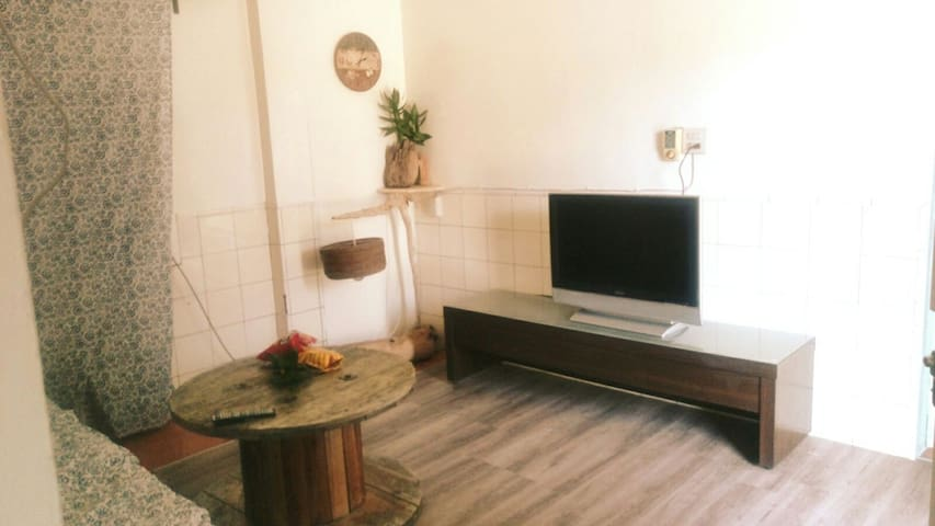 獨棟2間房設計,居家溫馨,含浴室,客廳,廚房 - Liuqiu Township - Casa