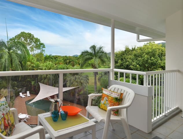 Coco Palm Cove Holiday Apartment