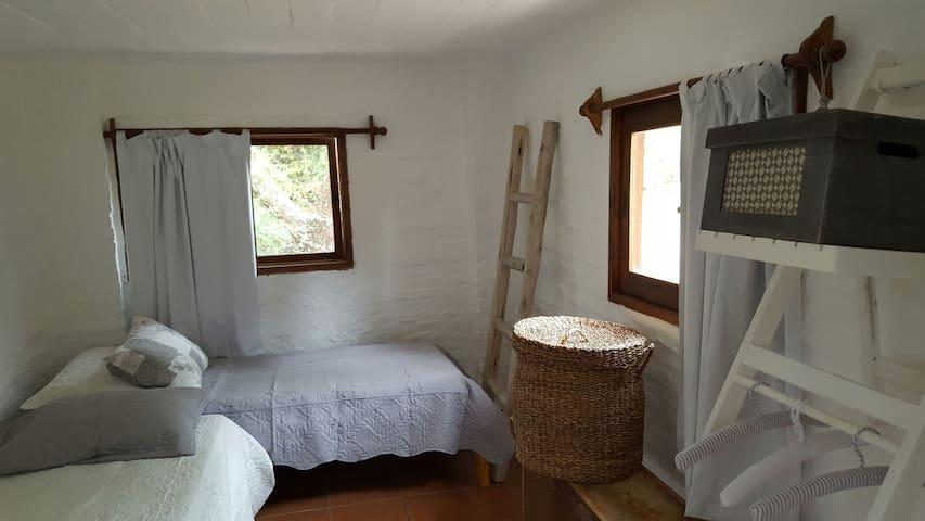 segundo dormitorio  ( 4 camas)