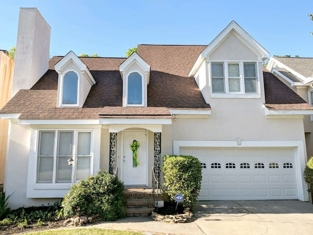 Rental home under 1 mile from Masters Tournament