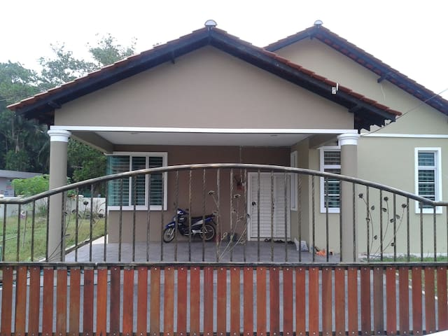 SEMI BUNGALOW FULLY FURNISHED