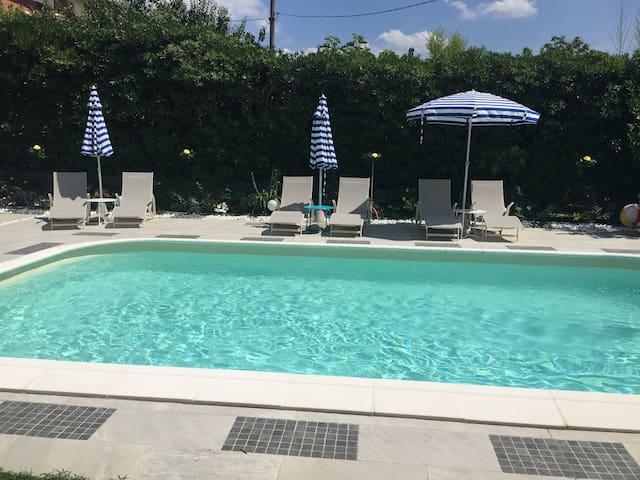 La Rosa Holidays Home con piscina e idromassaggio - Montopoli - House
