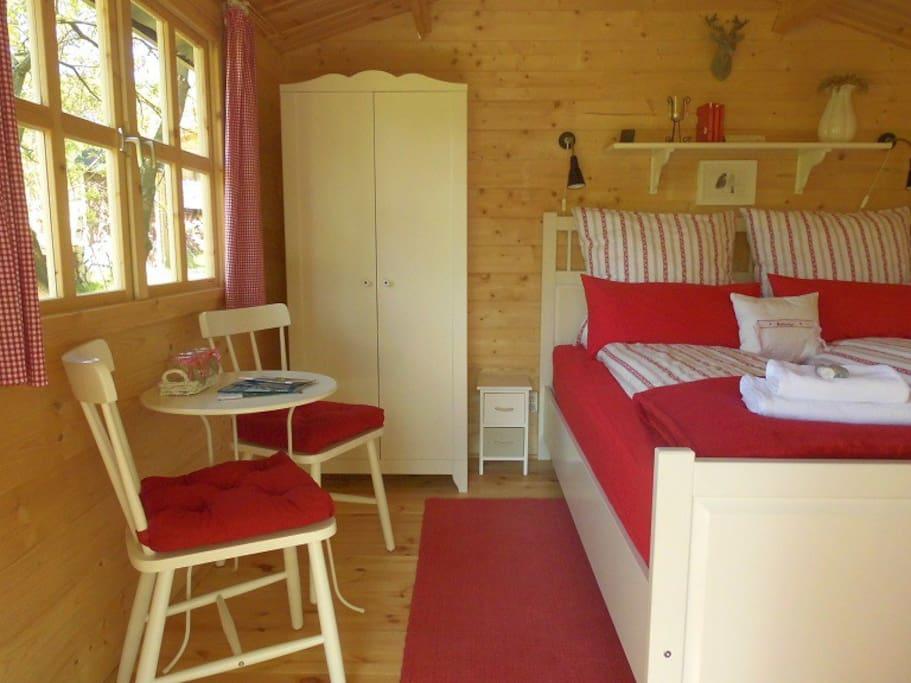 ...mit einem Doppelbett von 160x200