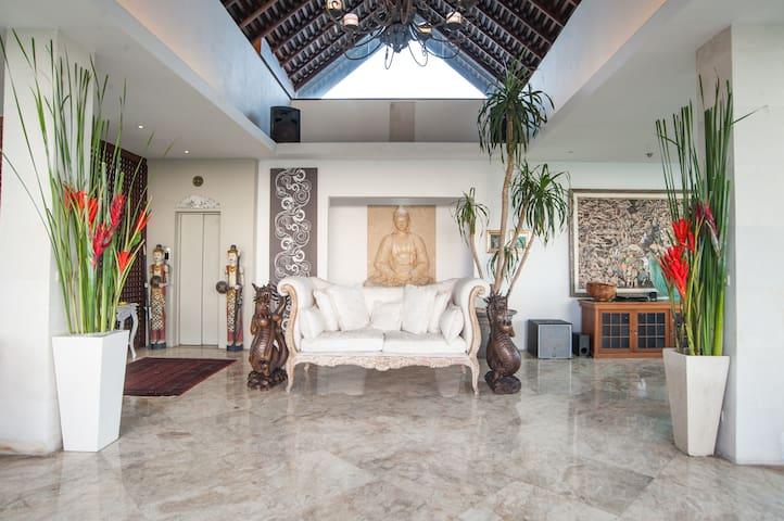 TWO BEDROOMS PENTHOUSE SEMINYAK - Kuta Utara - Appartement en résidence