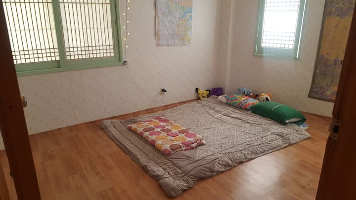 Bedroom near Dongmun Market