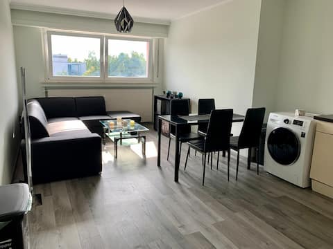 Spacious 2-bedroom apartment near all transport